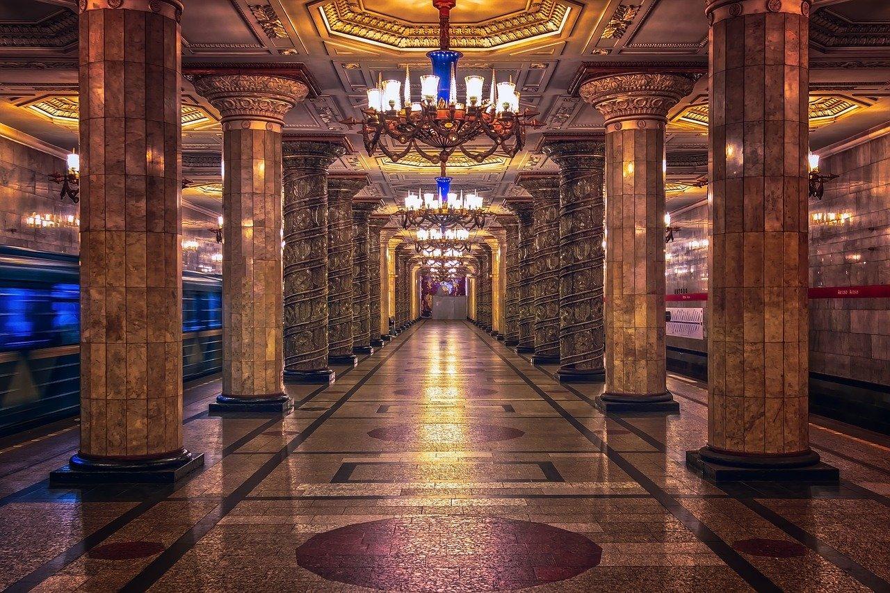 La-Splendida-Metropolitana-di-Mosca