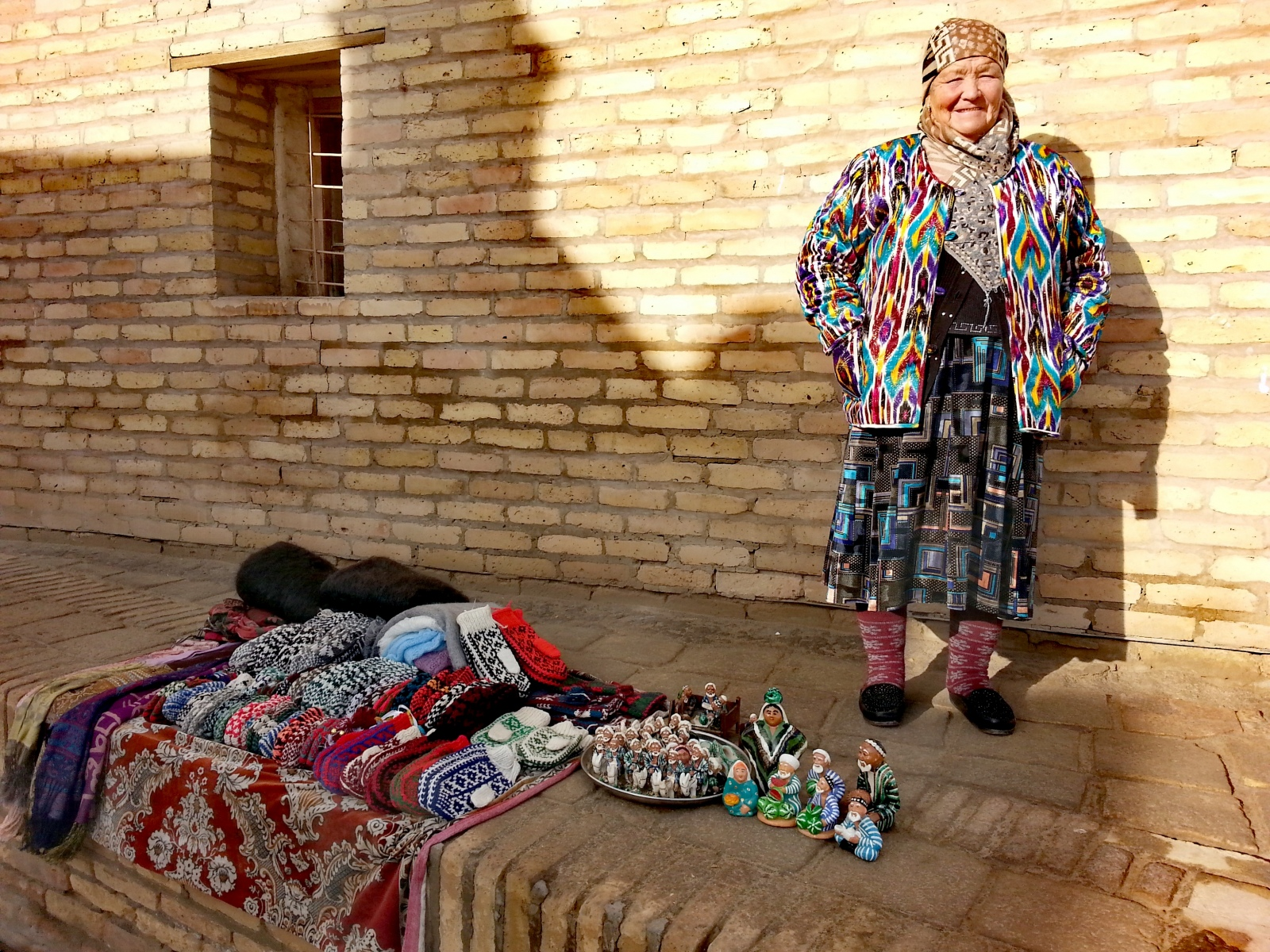 FOTO-NR.-22-straordinario-lartigianato-uzbeko-tra-lana-e-seta