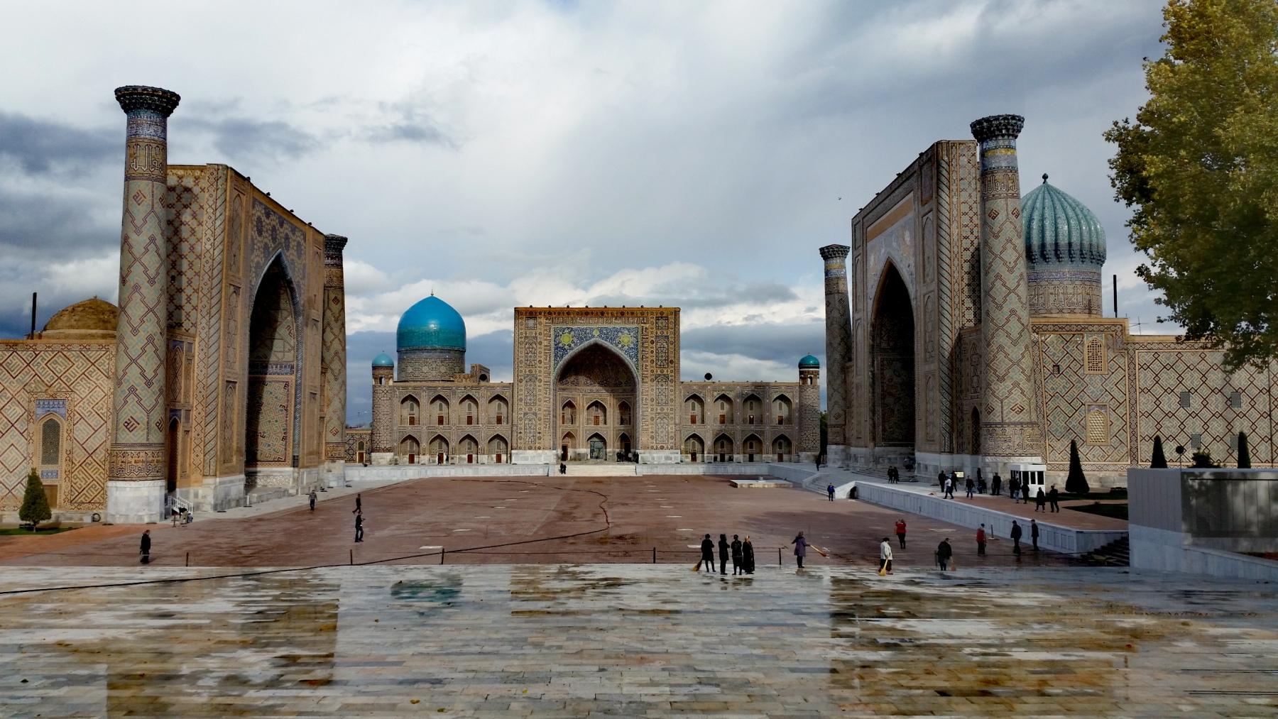 Piazza-Registan-a-Samarcanda